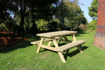 Deluxe Picnic Table 1500 Length