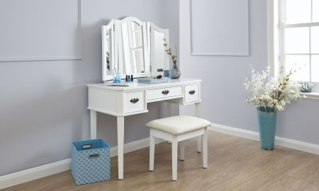 Belriv Dressing Table Set