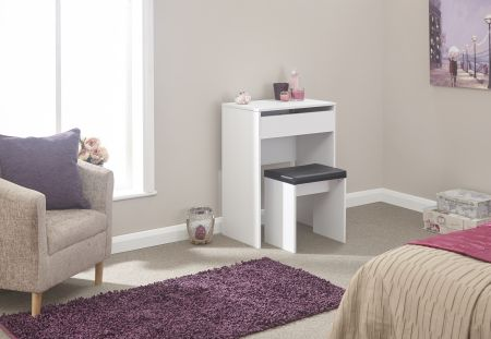 Comprion Dresser + Stool White