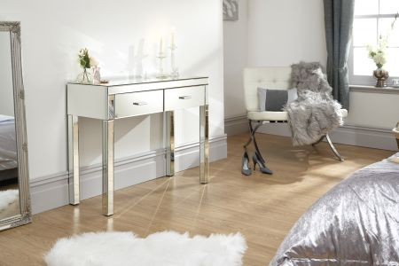 Venkova Dressing Table Clear Mirror Finish