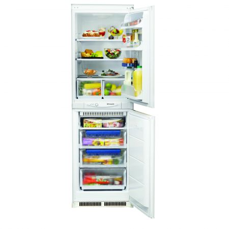 Hotpoint HM325FF.2.1 225L Built-In Fridge Freezer