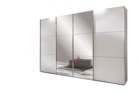 Entern A 4 Sliding Door 300 cm White Wardrobe With The Two Centre Doors Fitted With Mirror Glass
